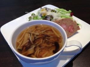 おすすめランチ 前菜とスープ